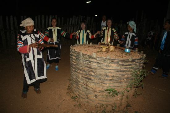 Lahu Dancing (from TripAdvisor)