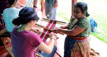 Weaving with indigenous families