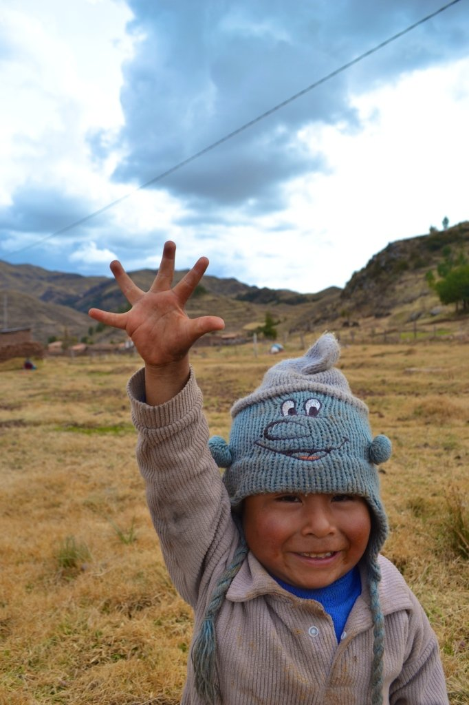 Making new friends in the Sacred Valley - Sarah Are