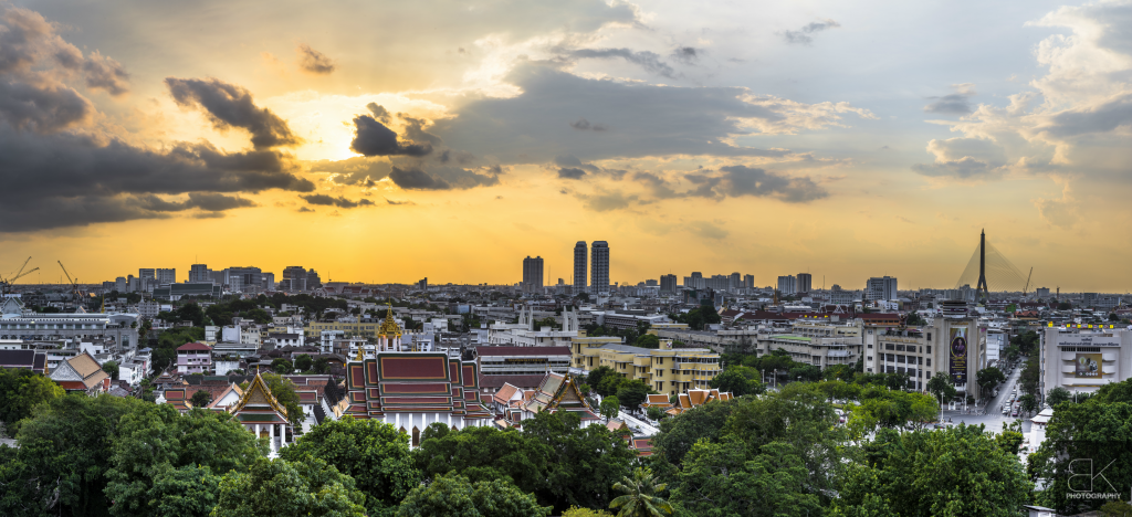 2. Wat Saket: After an incredible day touring around Bangkok, we finished our day by watching the sunset at Wat Saket.